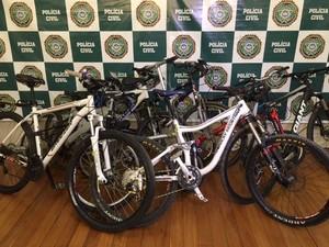 Bicicletas roubadas foram apreendidas (Foto: Mariucha Machado / G1)