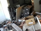 Explosão de caixa assusta moradores (Jesilda MIranda)