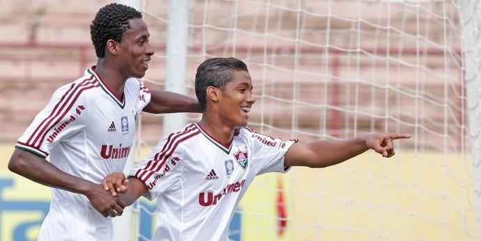 Copinha - Gabriel comemora, Sabiá x Fluminense (Foto: Célio Messias/Agência Estado)