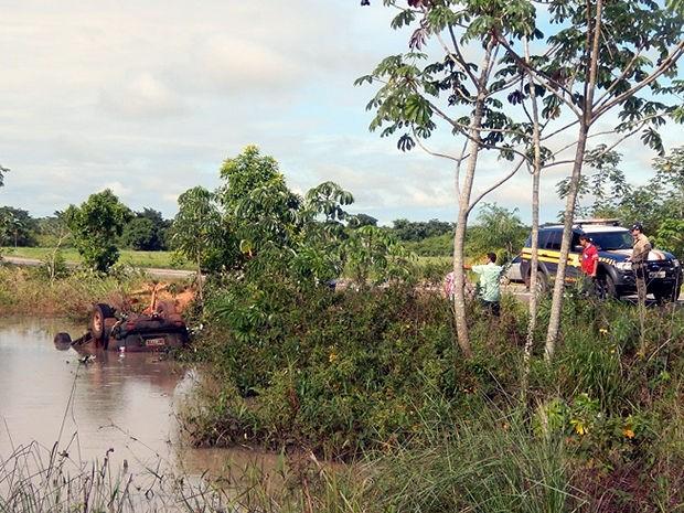 Acidente foi na rodovia BR-070, entre Cáceres e a fronteira de Mato Grosso com a Bolívia. (Foto: PRF)
