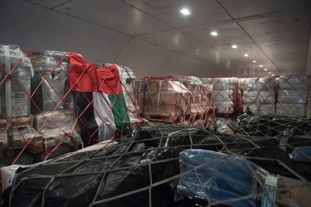 Suprimentos dentro do avião - sheik de Dubai envia 90 toneladas para Haiti (Foto: Reprodução Instagram)