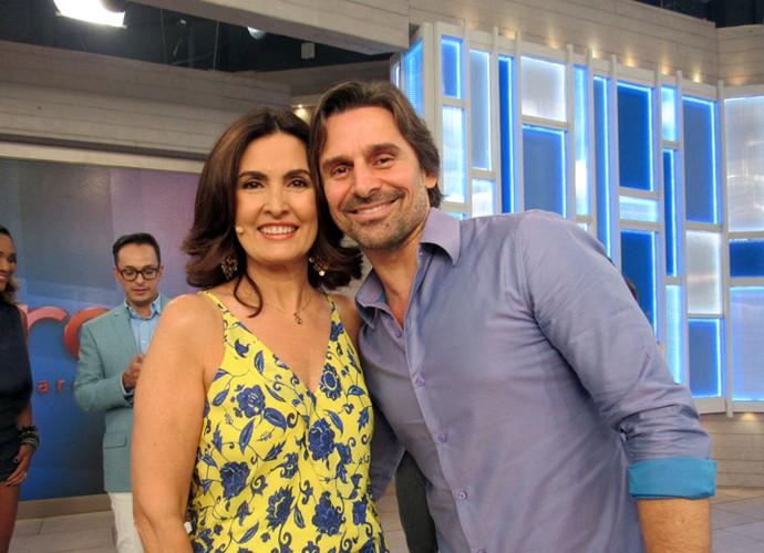 Fátima com o ator Murilo Rosa nos bastidores do 'Encontro' (Foto: Carolina Morgado/Gshow)