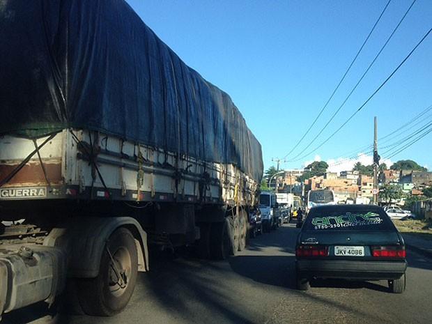 Incidente deixa trânsito lento na região da Estação Pirajá (Foto: Gleidson Chagas / Arquivo Pessoal)