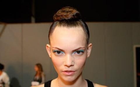 Coque-rosquinha: aprenda a fazer o penteado estiloso