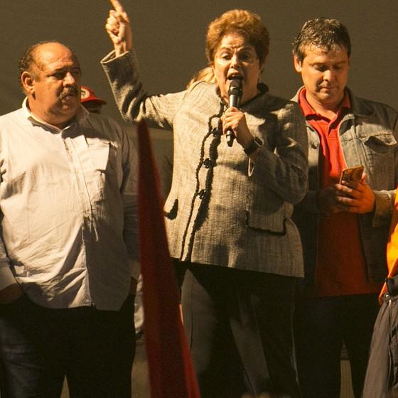 Ato público pró-Lula realizado com a presença do ex-presidente Luiz Inácio Lula da Silva, ex-presidente Dilma Rousseff e integrantes do PT  (Foto: Cleber Yamaguchi/AGIF/Folhapress)
