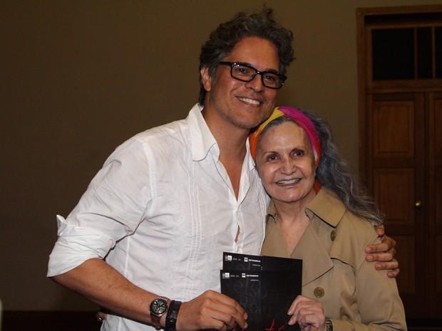 Juan Alba e Rosamaria Murtinho em estreia de peça na Zona Sul do Rio (Foto: Anderson Borde/ Ag. News)