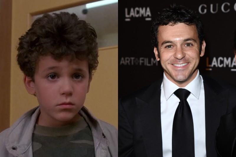 Como o personagem Kevin Arnold em 'Anos Incríveis' (1988-1993), ele foi a criança mais jovem a receber indicações para o Emmy e o Globo de Ouro. Após outras incursões como ator, ele decidiu que gostaria de seguir o caminho por trás das câmeras, produzindo e dirigindo séries como 'It's Always Sunny In Philadelphia' (2005-), 'Família Moderna' (2009-), 'Party Down' (2009-2010) e '2 Broke Girls' (2011-). (Foto: Divulgação/Getty Images)