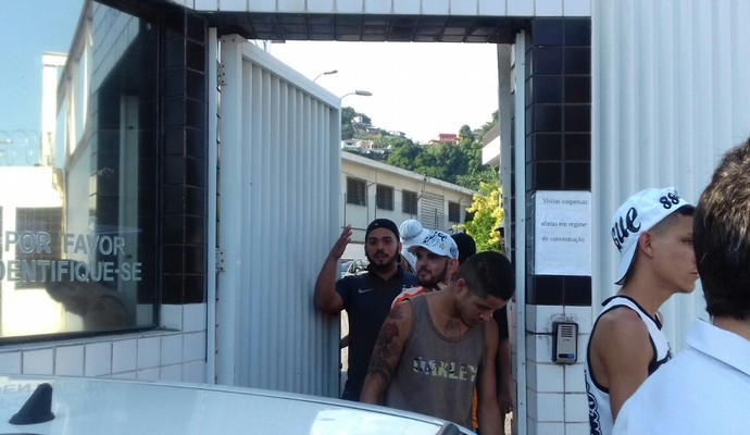 Santos vence o Botafogo-SP na Vila Belmiro