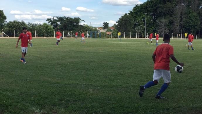 Treino do Osvaldo Cruz (Foto: Mariane Kathiely / TV Fronteira)