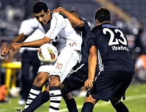 Diego Souza na partida do Vasco contra o Alianza Lima (Foto: AFP)