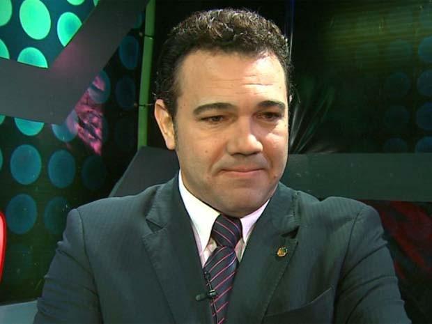 Feliciano deu entrevista antes de culto em Ribeirão Preto, SP (Foto: Reprodução/EPTV)