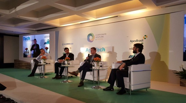 Nolan Paul, Bernardo Nogueira, Dan Philips e James Mawson no Corporate Venture in Brasil (Foto: Divulgação)