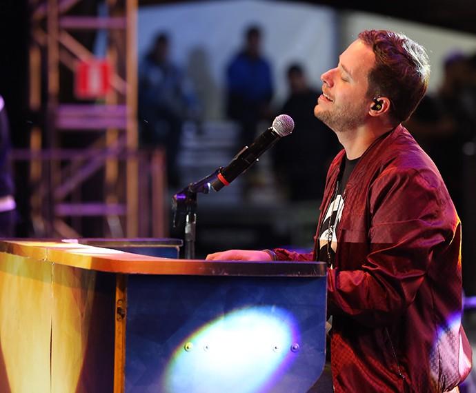 André Valadão colocou o público para cantar e louvar a Deus (Foto: Carol Caminha/Gshow)