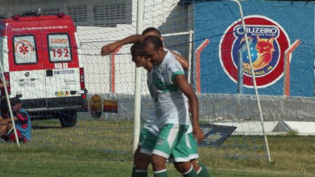 Delany marca três e Nacional de Patos vence o Cruzeiro-PB no Zezão (Foto: Luiz Carlos Roque / Globoesporte.com/pb)
