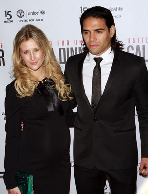 Falcao e a esposa Lorelai em evento de beneficente do United (Foto: Splash News)