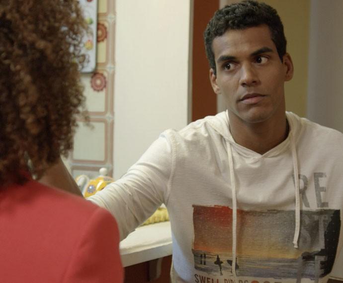 Ivan se decepciona com o executivo (Foto: TV Globo)