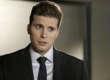 Patrick orienta Clara a pedir demissão da casa de Fabiana