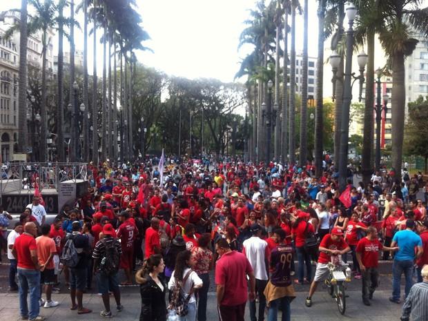 Protesto do MTST na  Praça da Sé  (Foto: Carolina Dantas/ G1 )