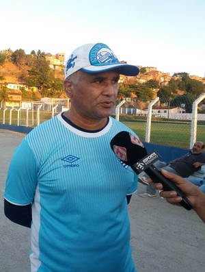 Oliveira Canindé, técnico do CSA (Foto: Augusto Oliveira/GloboEsporte.com)