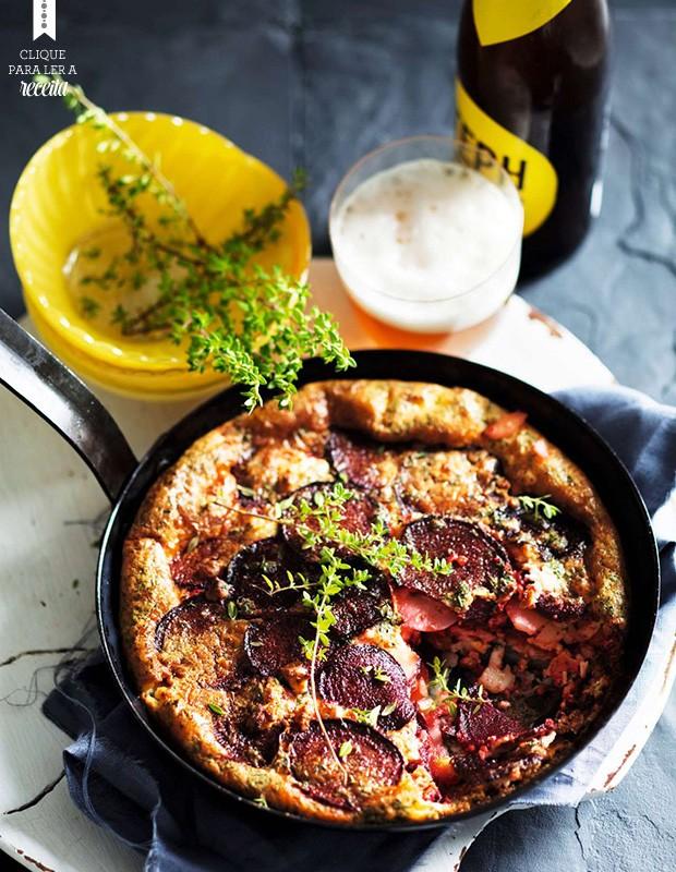 Frittata assada de batata com beterraba e queijo de cabra: opção vegetariana para agradar a todos os públicos (Foto: StockFood / Gallo Images Pty Ltd.)