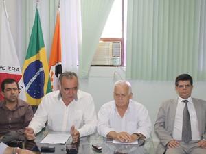 Coletiva ocorreu nesta terça-feira (1º) em Divinópolis (Foto: Prefeitura/Divulgação)