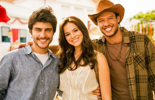Guilherme Leicam, Bruna Marquezine e Nando Rodrigues vivem triângulo amoroso na fase 2 (Foto: João Miguel JR./Globo)