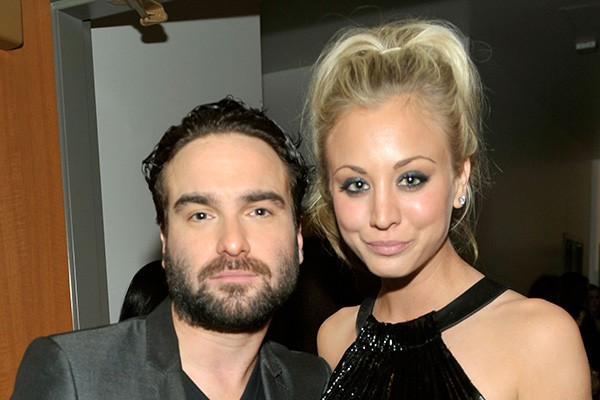 Kaley Cuoco e Johnny Galecki (Foto: Getty Images)