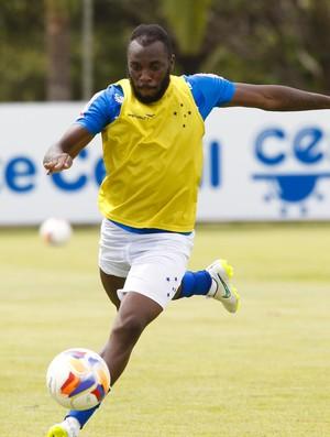 Manoel, zagueiro do Cruzeiro (Foto: Washington Alves / Light Press)