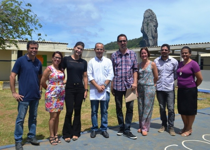 Secretário Fred Amâncio com equipe da Educação em Noronha