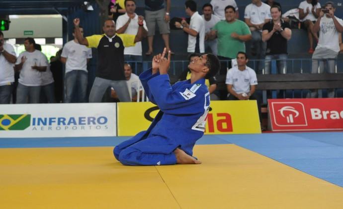 Yuri Lourenço conquista o título da categoria superligeiro (Foto: DIvulgação/CBJ)