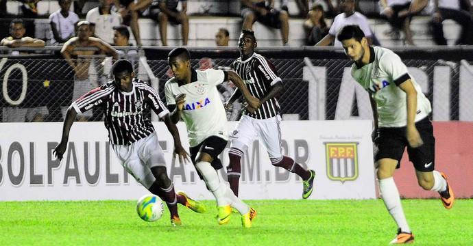 Corinthians x Fluminense Copinha (Foto: Marcos Ribolli / Globoesporte.com)