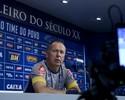 Mano Menezes não dá certeza sobre o retorno de Manoel à equipe titular