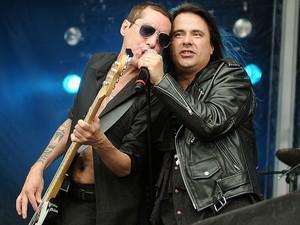 Vocalista André Matos e baixista Pit Passarell, do Viper (Foto: Alexandre Durão/G1)