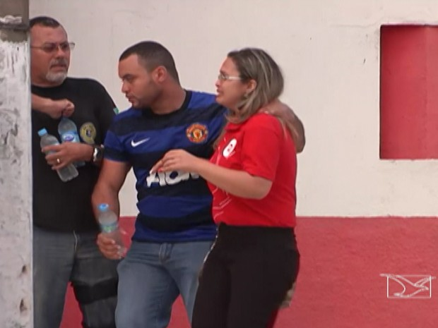 Reféns foram liberados após negociação com a polícia (Foto: Reprodução/TV Mirante)