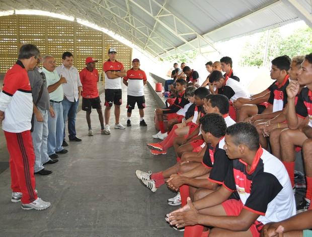 Elenco do Flamengo-PI é apresentado oficialmente ao técnico Celso Teixeira (Foto: Renan Morais/GLOBOESPORTE.COM)