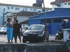 Acidente entre carro e moto deixa uma pessoa ferida em São Vicente