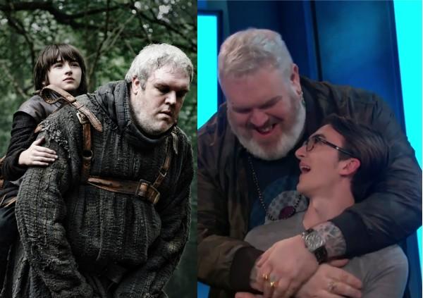Kristian Nairn e Isaac Hempstead Wright em Game of Thrones e abraçados no programa de Conan O'Brien (Foto: Reprodução)