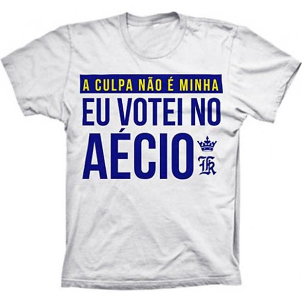 Camiseta do estilista Sergio K, com o slogan A Culpa não é Minha - Eu Votei no Aécio (Foto: Reprodução/Twitter)