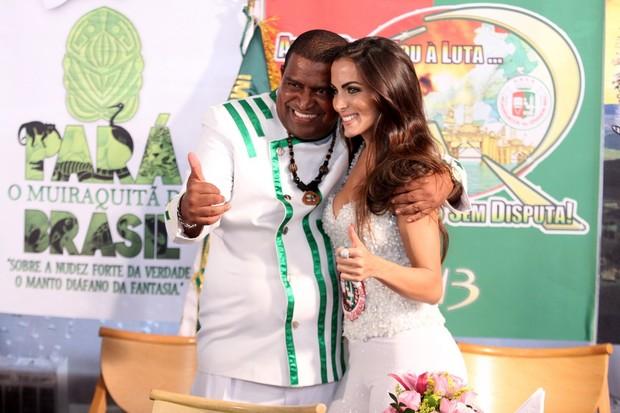 """Especiais de carnaval do programa """"Samba de Primeira"""" com Carla Prata (Foto: Alex Palarea / AgNews)"""