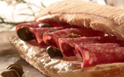 Sanduíche de salame