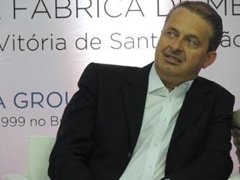 Eduardo Campos durante inauguração de fábrica em Vitória de Santo Antão (Foto: Katherine Coutinho/G1)