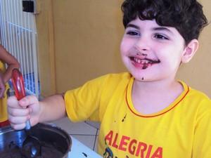 Pedro já interage com os amigos da escola (Foto: Arquivo pessoal/Nayne Tamy)