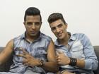 Danilo Reis mostra companheiros nos bastidores do The Voice em vídeo selfie