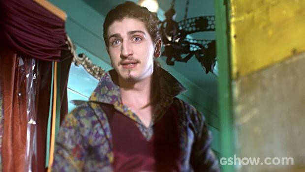 Ferdinando está se encantando com a ruiva (Foto: Meu Pedacinho de Chão/TV Globo)