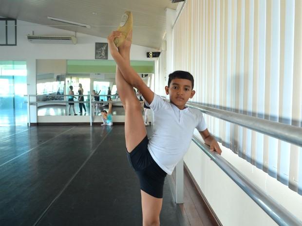 Jardel Lobato vai fazer curso básico em balé clássino no Bolshoi (Foto: Fabiana Figueiredo/G1)