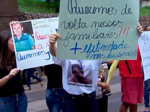 Doze pessoas seguem desparecidas após o rompimento da barragem da Samarco, em Mariana (MG) (Foto: Reprodução/TV Globo)