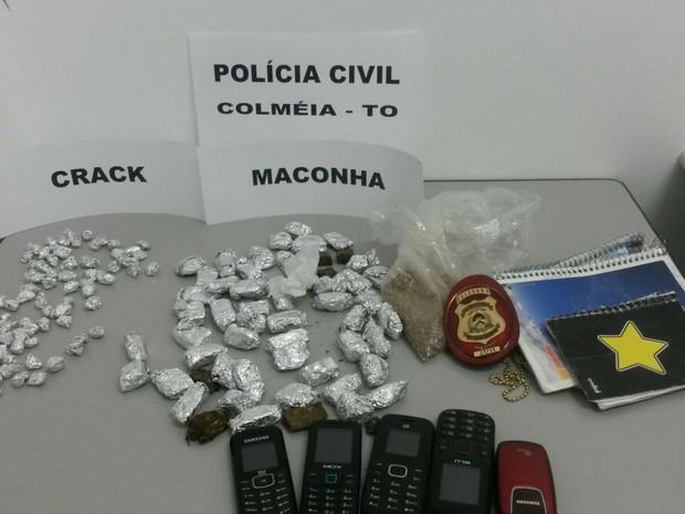 Polícia apreendeu 70 porções de crack e 54 de maconha (Foto: Divulgação/SSP TO)