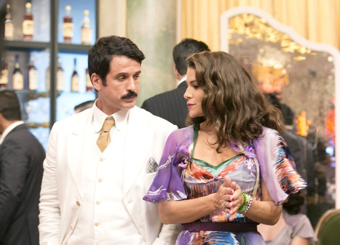 Diana e Ernesto: planos para tirar dinheiro de Severo (Foto: Camila Camacho / Gshow)