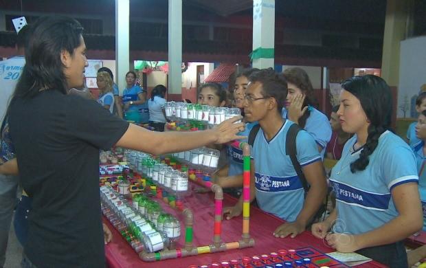 Alunos montaram jorgos pedagógicos para facilitar o ensino da matéria (Foto: Bom Dia Amazônia)
