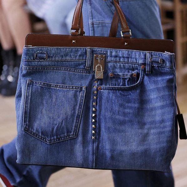 Bolsa jeans Valentino, Resort 2018 (Foto: Reprodução/Instagram)